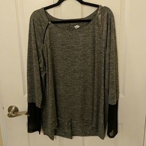 Maurice's In Motion Athletic Shirt Size 3